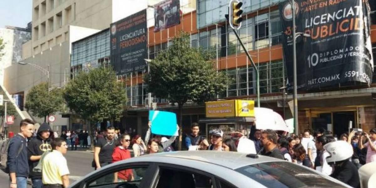Estudiantes protestan por el cierre de la Universidad PART