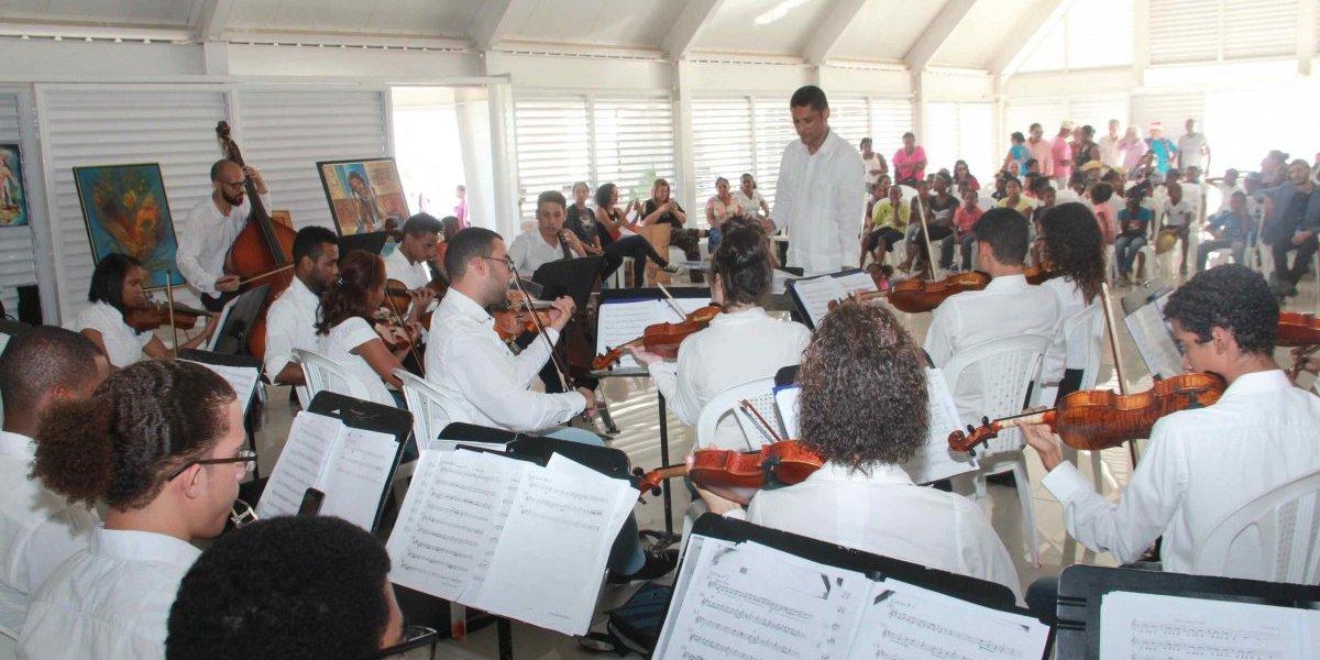 """Ministerio de Cultura realiza """"Asalto cultural"""" en la Nueva Barquita"""