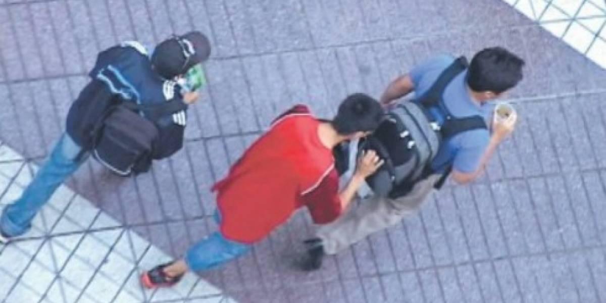 Ahora nadie se acuerda del robo de aros y collares: celulares lideran ranking de lanzazos en la Alameda