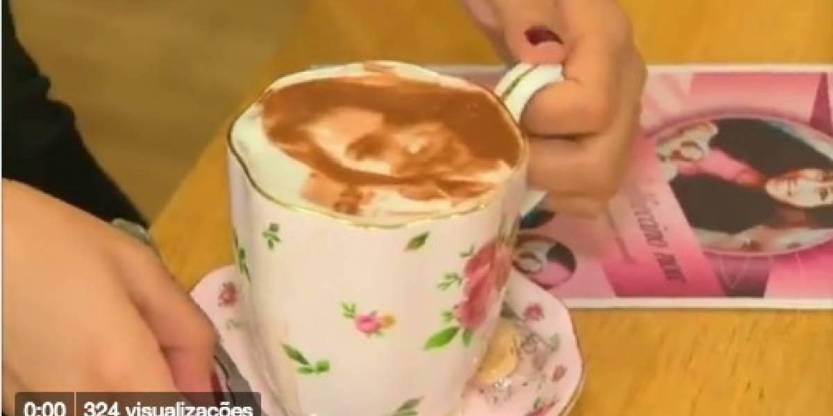 Cafeteria britânica desenha selfie de clientes na espuma do café