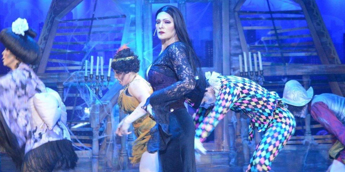 """""""La Familia Addams"""" se despide el lunes 25 con función navideña"""