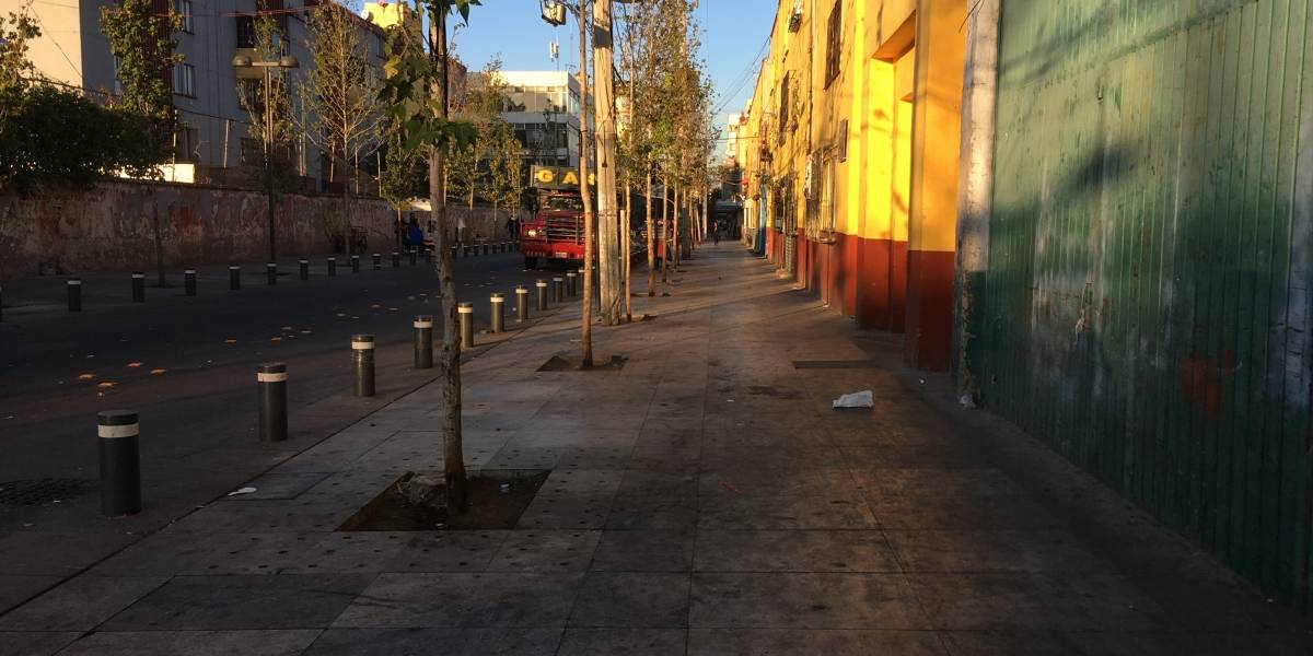 Antes de ser inaugurado, corredor semipeatonal de Corregidora luce olvidado
