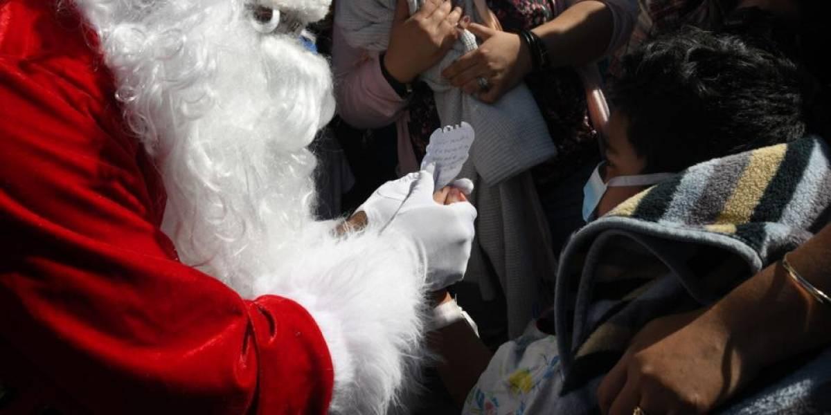 Niño hospitalizado por bala perdida le da carta a Santa para que le pida seguridad al Presidente
