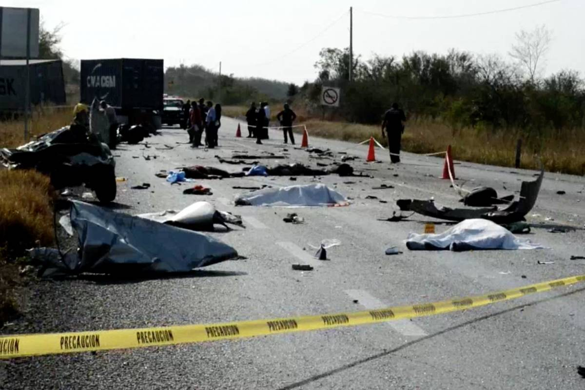 Q. Roo informa a consulados por muerte de extranjeros en camionazo