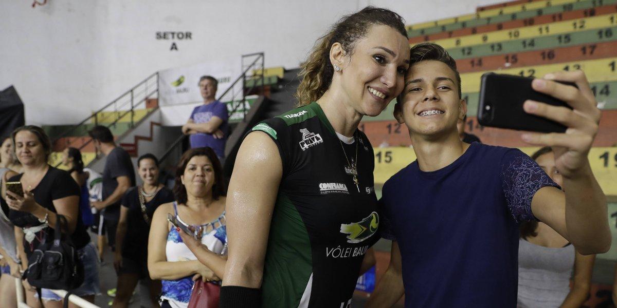 Tiffany Abreu, primera transgénero en vóleibol de Brasil