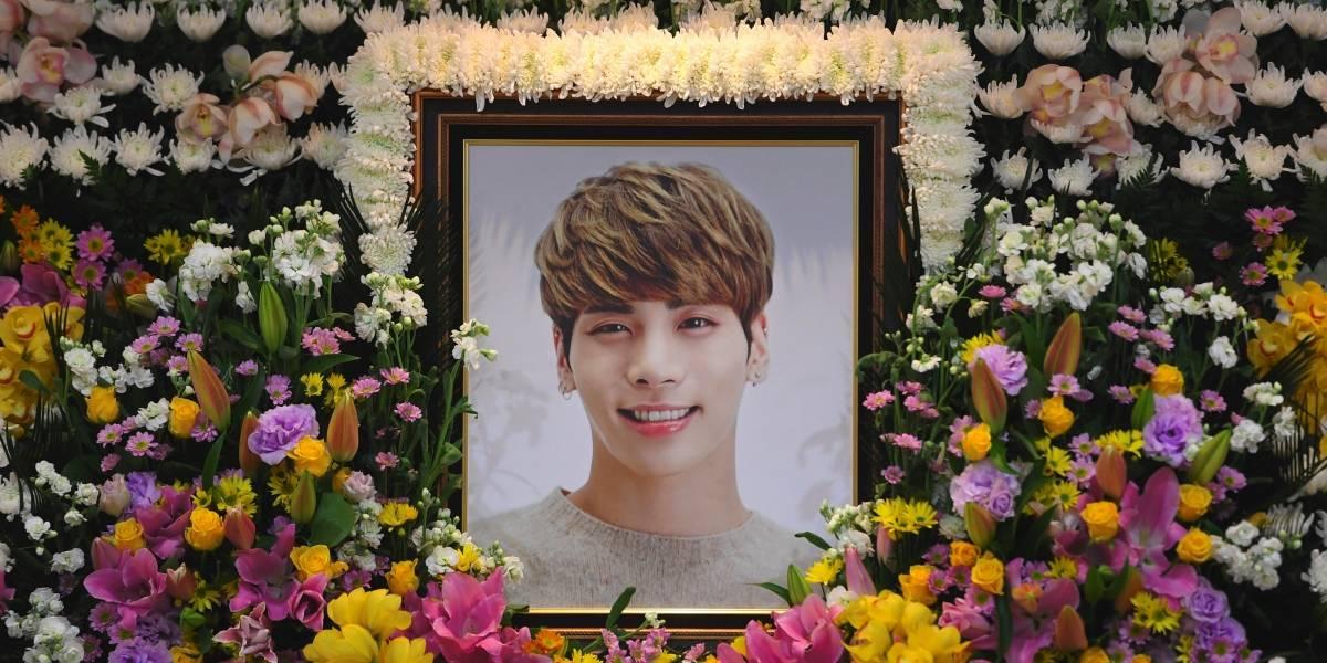 Estrellas del k-pop lloran la pérdida de Kim Jong-hyun en un funeral masivo