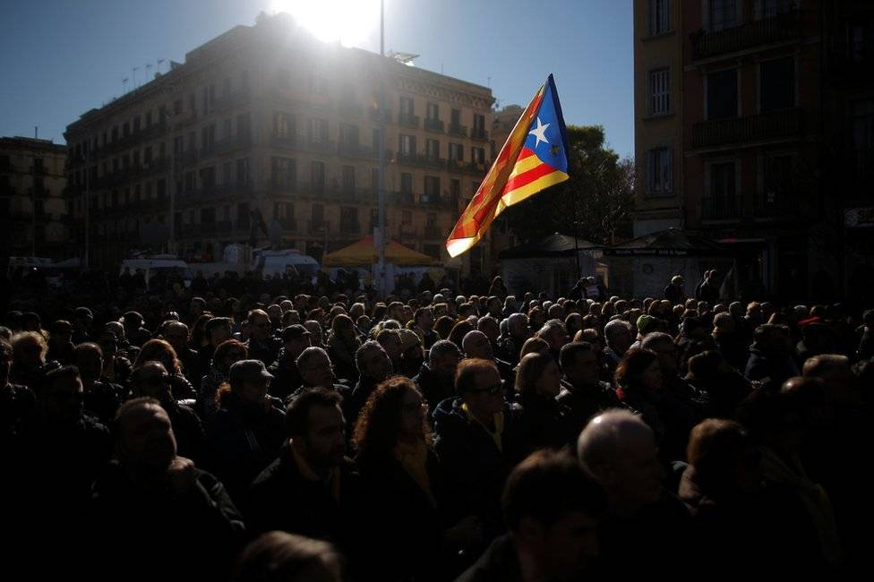 Sondagem na Catalunha: vencem Cidadãos, mas maioria é da ERC