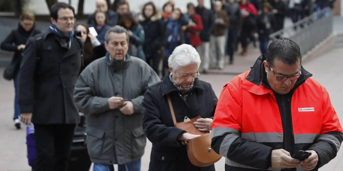 Elecciones en Cataluña: 34.7% vota en las primeras cuatro horas