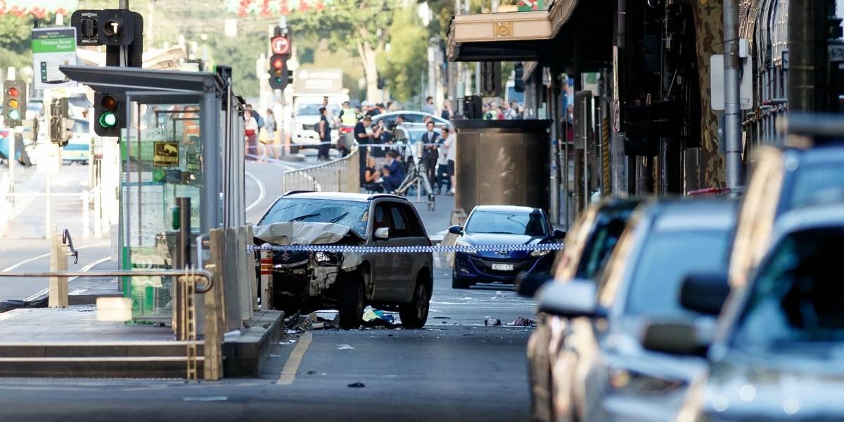 """""""Creemos que es un acto deliberado"""": 14 personas heridas tras un atropello masivo en Melbourne"""