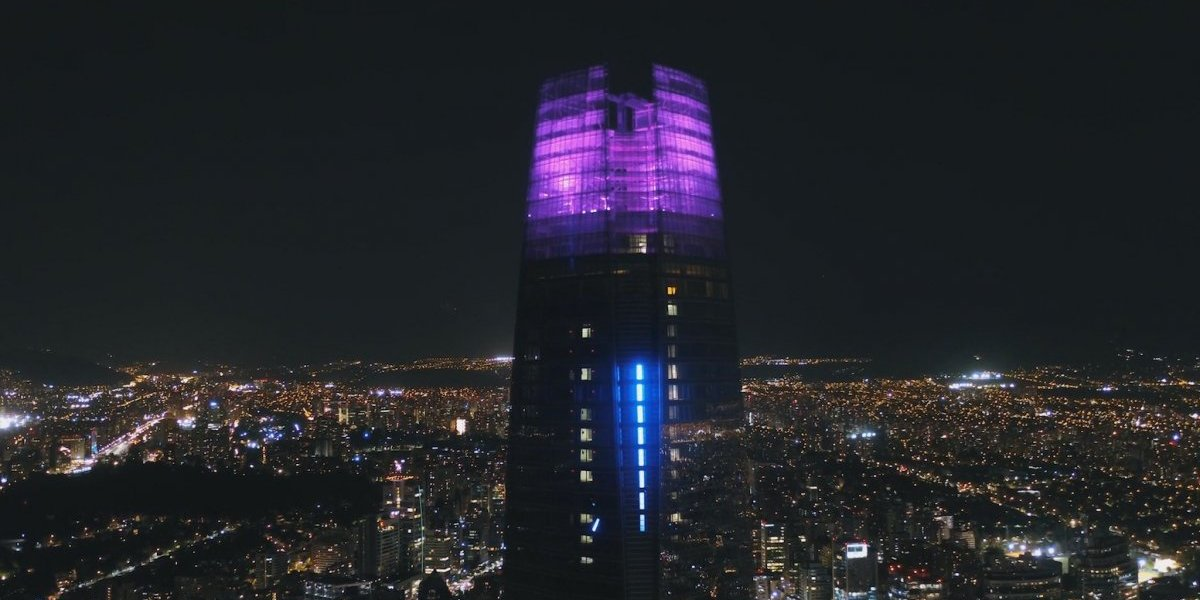 Costanera Center se viste de colores: Romperá récord Latinoamericano con intervención lumínica