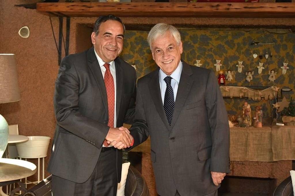 El presidente de la Cámara de Diputados, Fidel Espinoza, junto al Mandatario electo Sebastián Piñera. gentileza