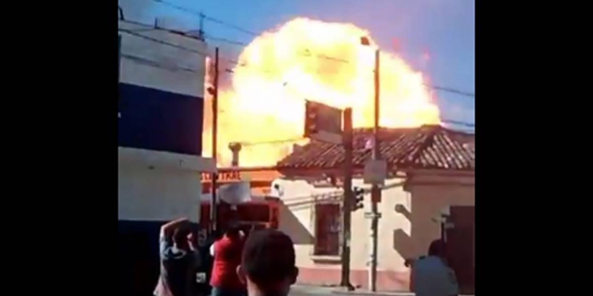 VIDEO. Fuerte explosión deja varios heridos en taquería de Jalapa