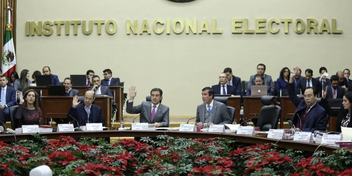 INE llama a precandidatos a llevar al día fiscalización
