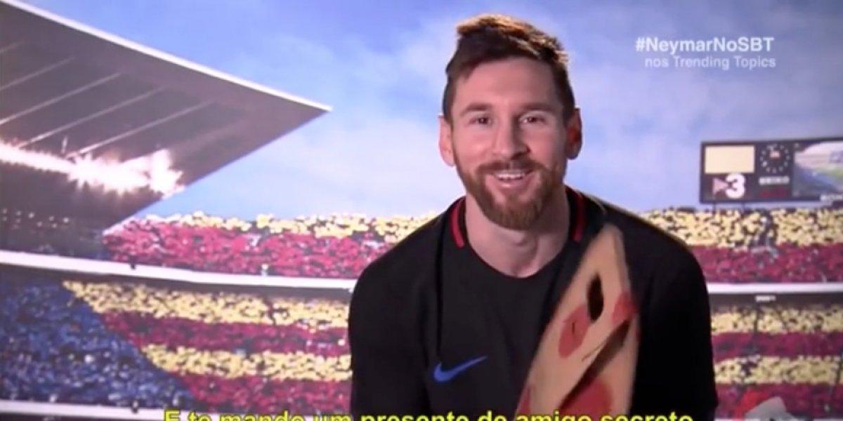 """Messi se emociona cuando se da cuenta de quién es su """"amigo secreto"""""""