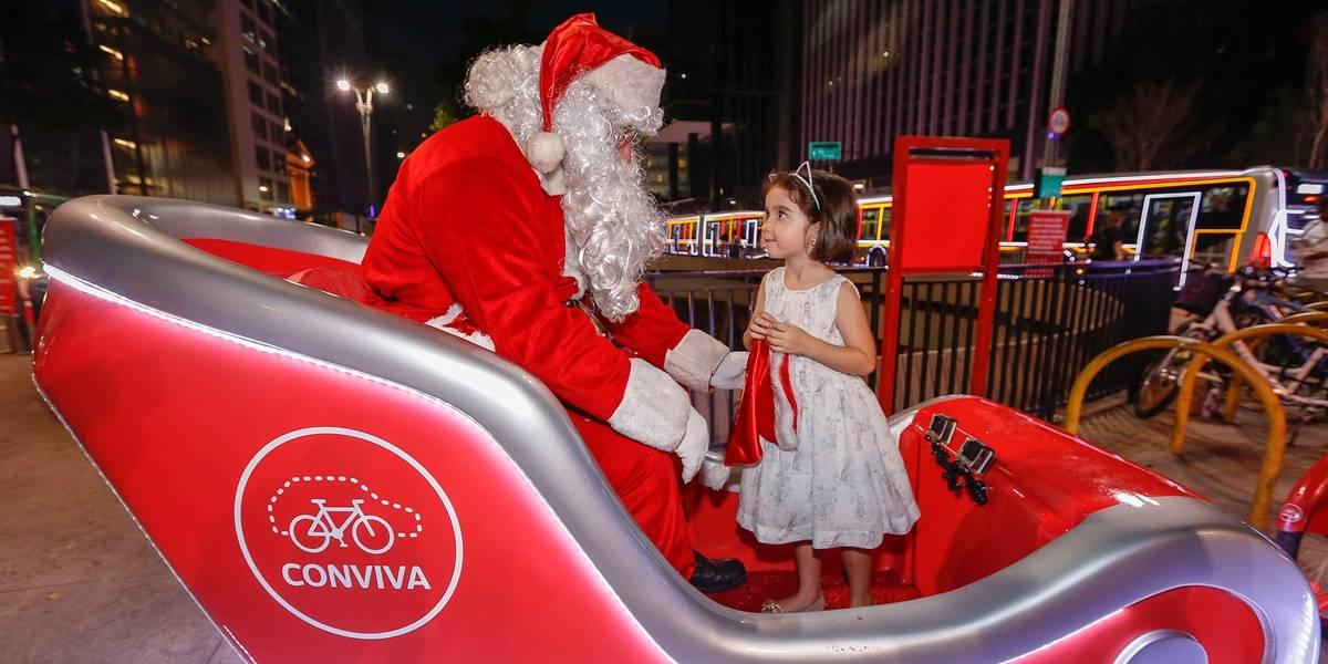 Papai Noel vira atração com trenó iluminado na Avenida Paulista neste fim de semana