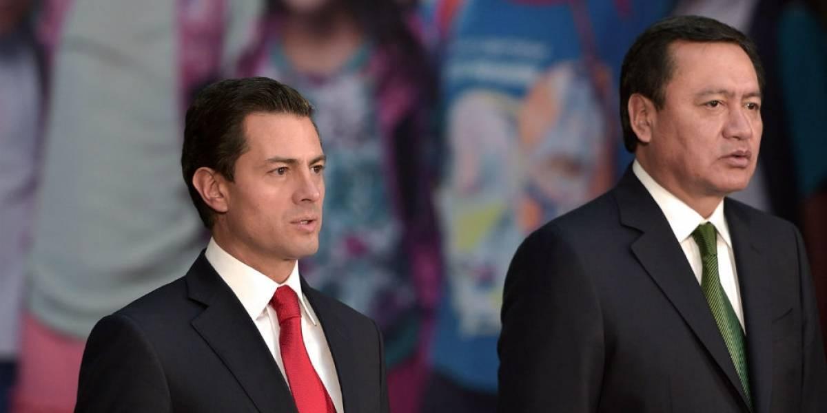 Peña Nieto alista iniciativa para facilitar adopción en México