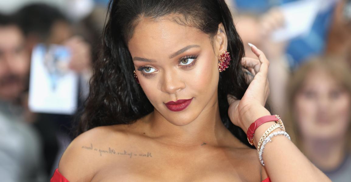 FOTOS: Rihanna aumenta sus curvas