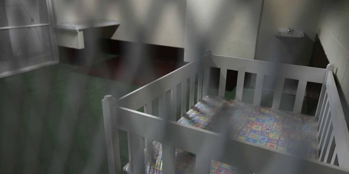 Inauguran sala de espera materno infantil y de atención al abogado en Tribunales