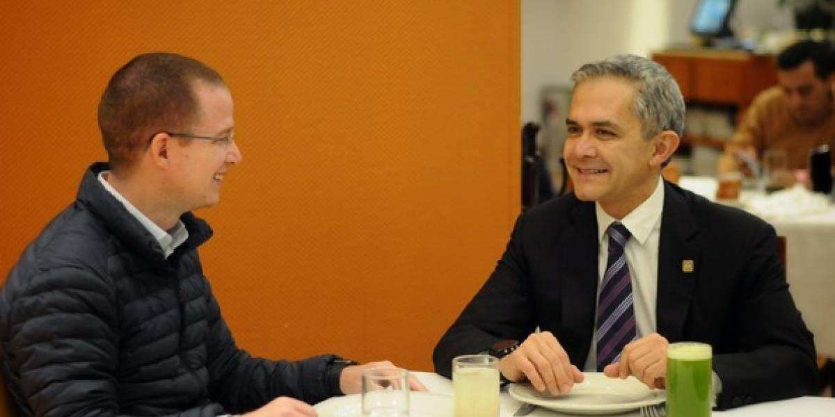 Mancera y Anaya se reúnen en restaurante de la CDMX