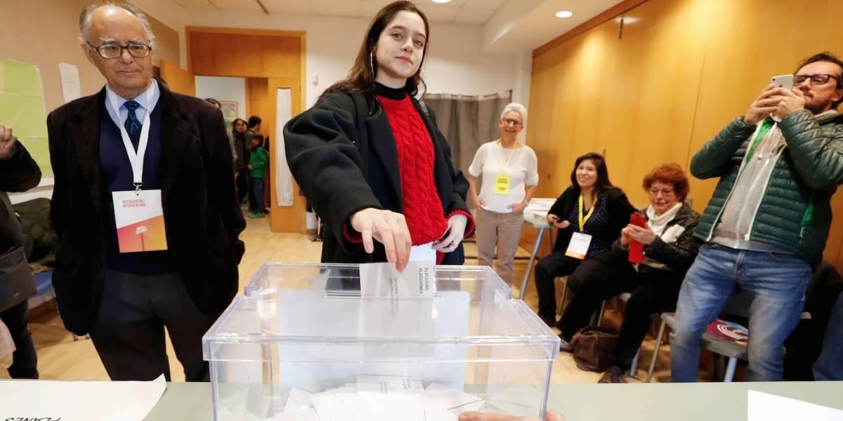 Catalunha escolhe novo governo em eleição tensa após declaração de independência