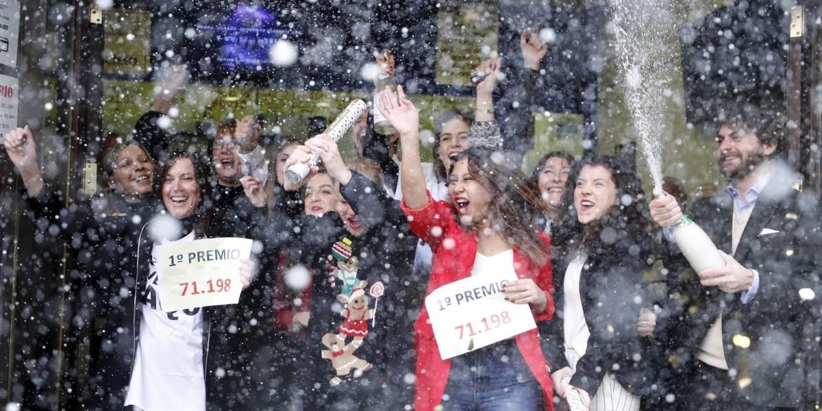 Hija de una ecuatoriana canta el Gordo de la lotería de Navidad en España