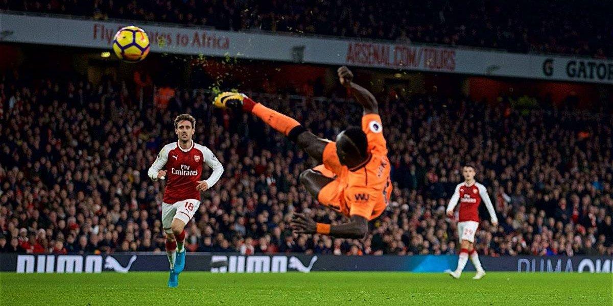 Trepidante empate entre 'Gunners' y 'Reds'