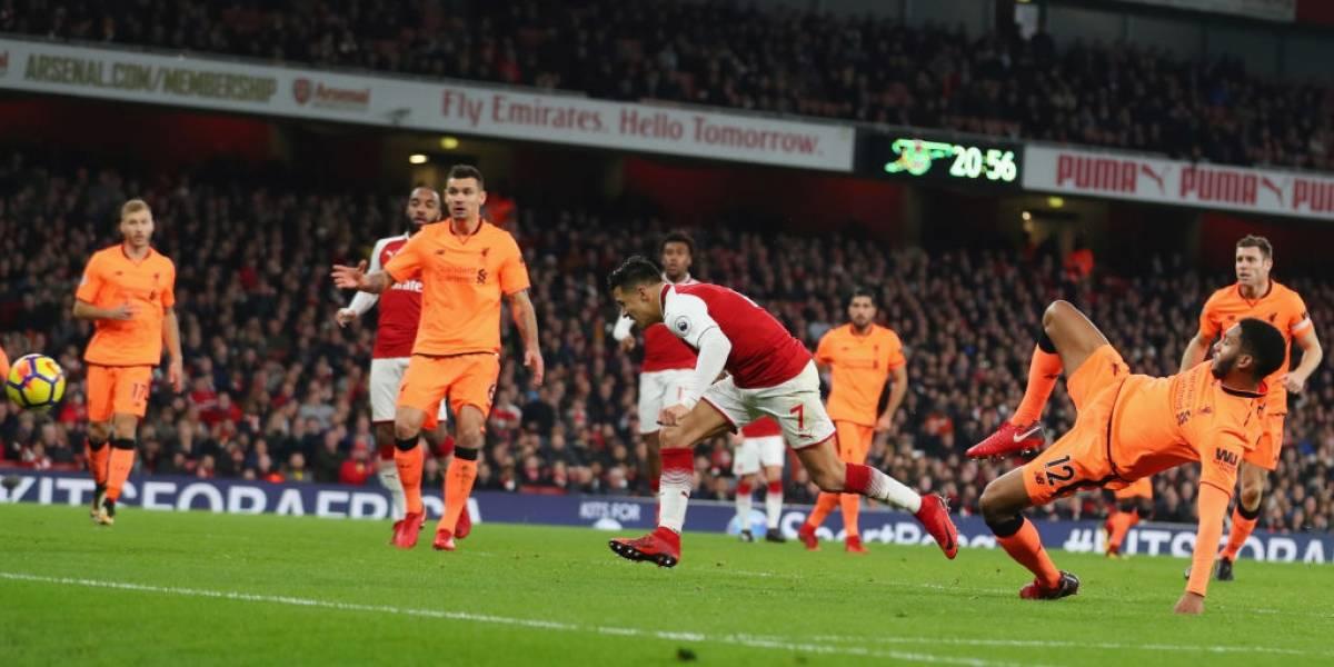 De cabecita a la red: el golazo de Alexis Sánchez ante Liverpool