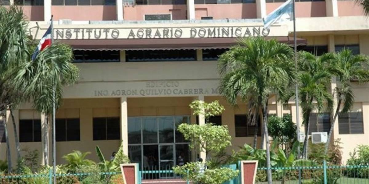 IAD entrega 4.5 millones de pesos a 85 productores zafra cañera de Baiguá