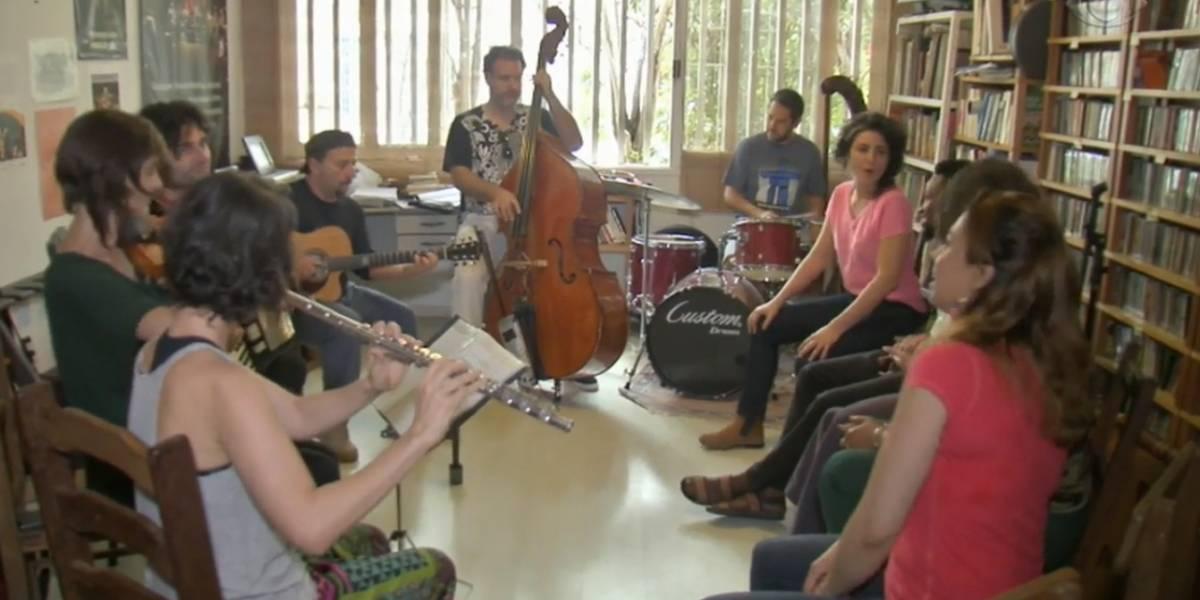 Refugiados tocam juntos e celebram recomeço na Orquestra Mundana Refugi