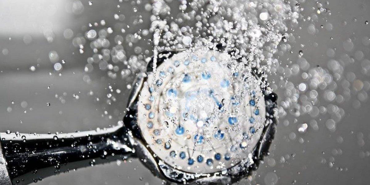 ¿Sabías que bañarse con agua caliente es tan efectivo como correr?