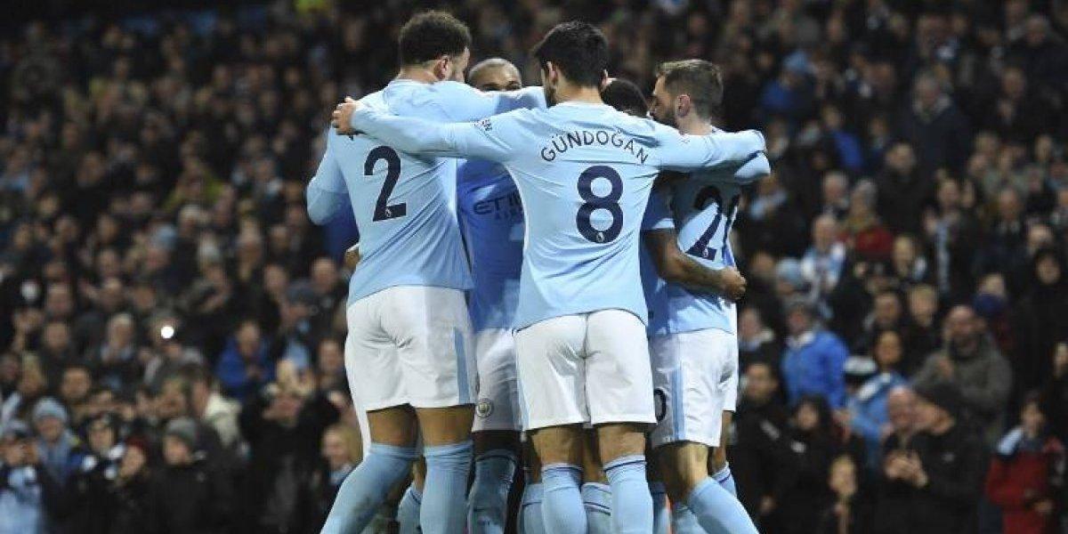 Claudio Bravo sigue observando desde la banca el arrollador paso del Manchester City en la Premier League