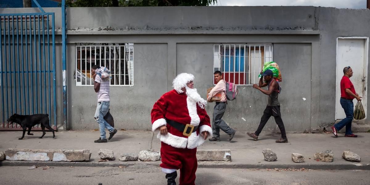 Niño recibe de regalo de Navidad tres días de libertad de su padre recluido