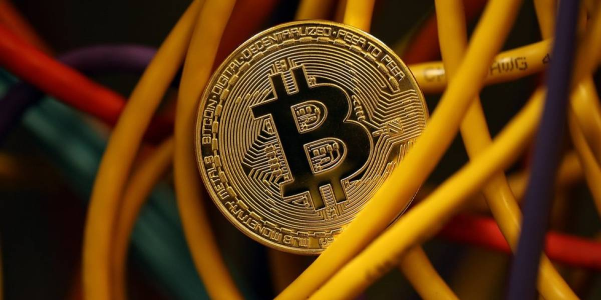 Por que o bitcoin chegou a perder um terço de seu valor em uma semana