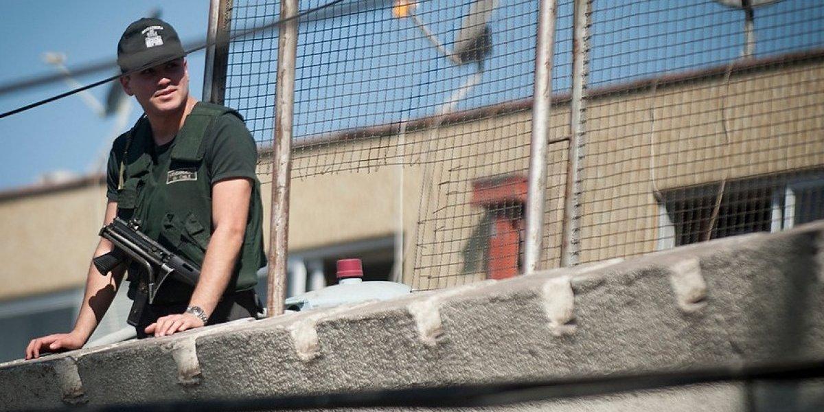 Intento de fuga en ex penitenciaria dejó a reo herido a bala
