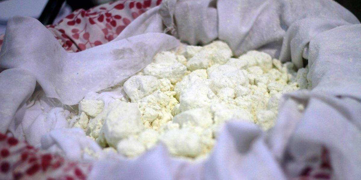 ¡No puede ser! Niña de 3 años se encontró cocaína en una banca en un mirador de Valparaíso: creyó que eran dulces y se intoxicó
