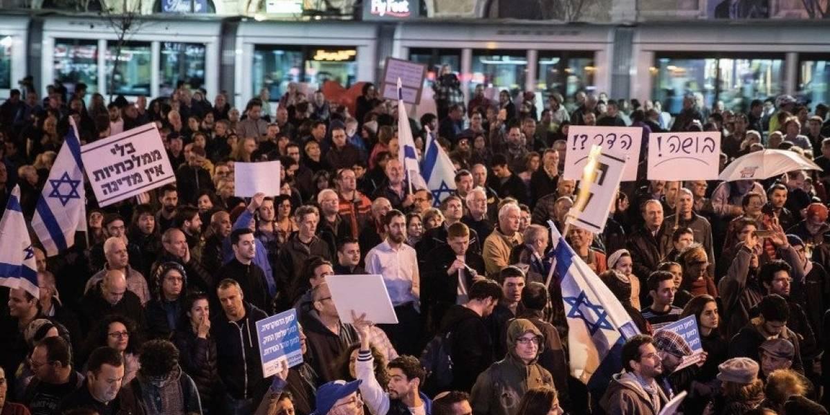 Miles protestan en Tel Aviv y Jerusalén contra el primer ministro