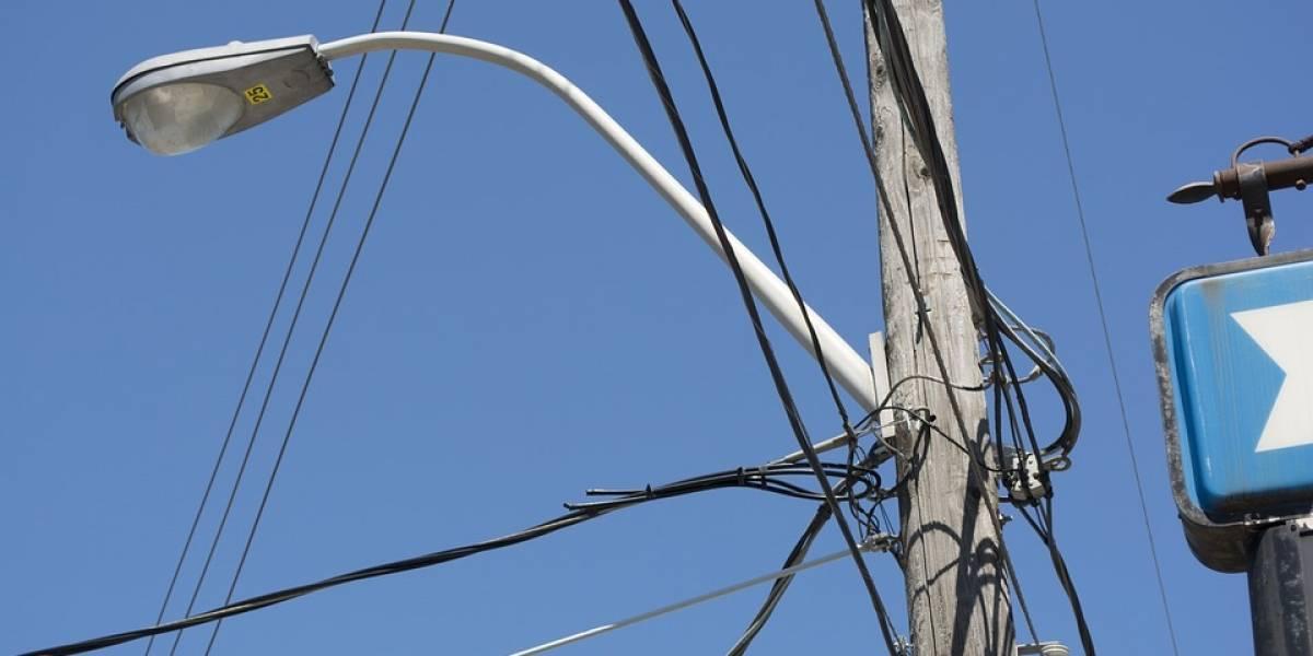 Adolescente pierde la cabeza al electrocutarse con un cable en Tabasco