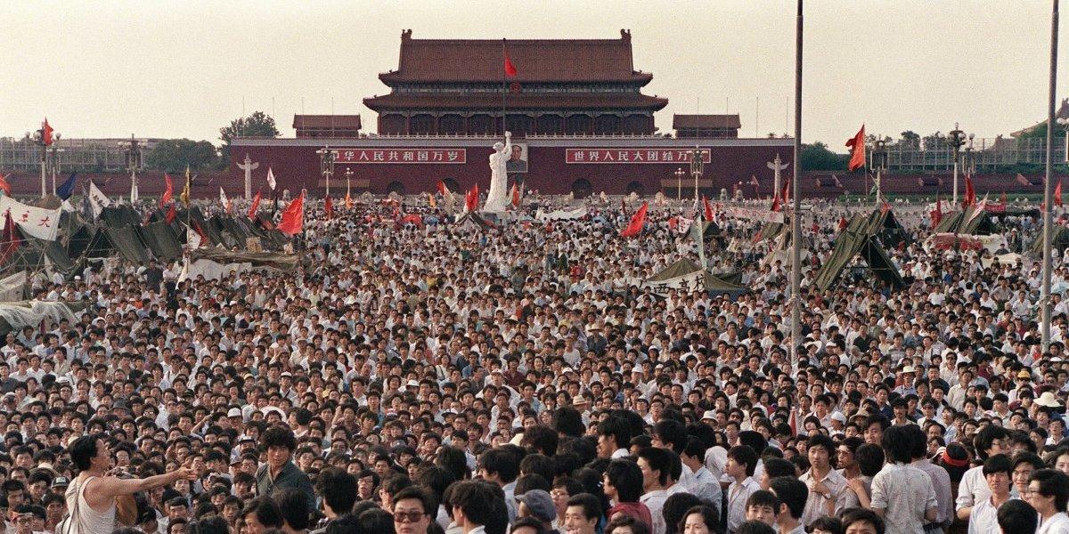 Diez mil muertos, cadáveres aplastados y manifestantes rematados con bayonetas: archivos revelan macabros detalles de la masacre de Tiananmen en 1989