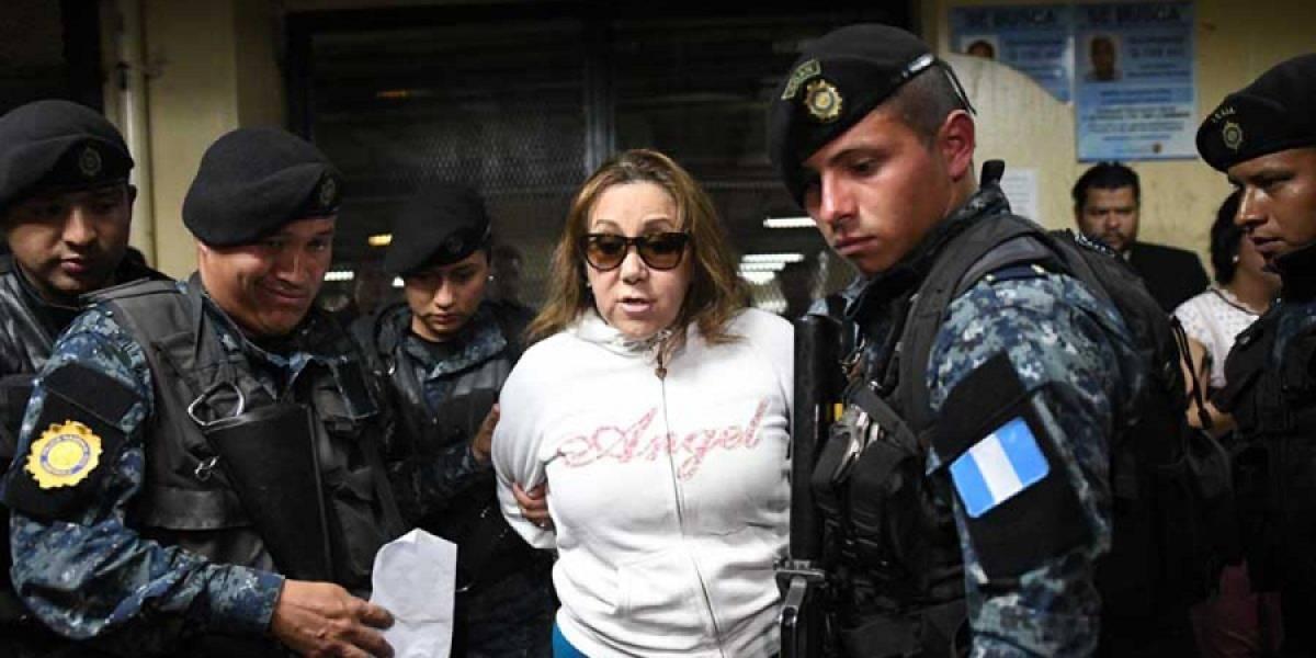 """""""Disfraz"""" de la magistrada Blanca Stalling genera burlas en las redes sociales"""