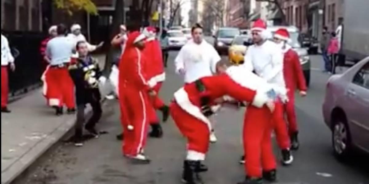 ¡Atángana! Peculiar pelea de Viejitos Pascuero es uno de los mejores regalos que internet nos puede dar en Navidad