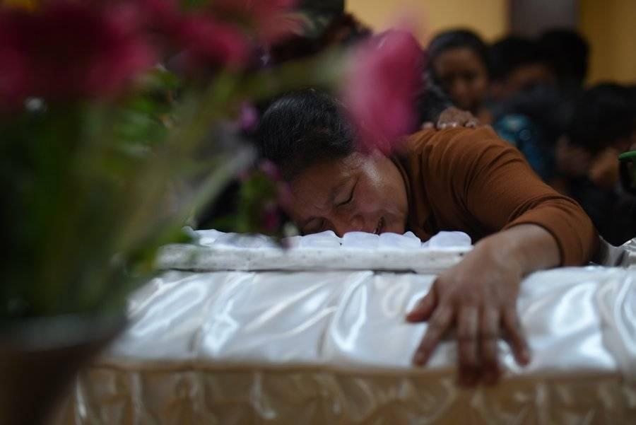 Familiar de fallecida en Hogar Seguro Virgen de la Asunción