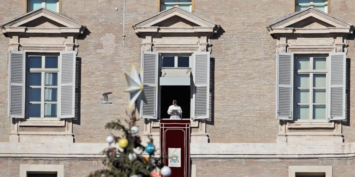 El papa Francisco ora por afectados por inundaciones en Filipinas