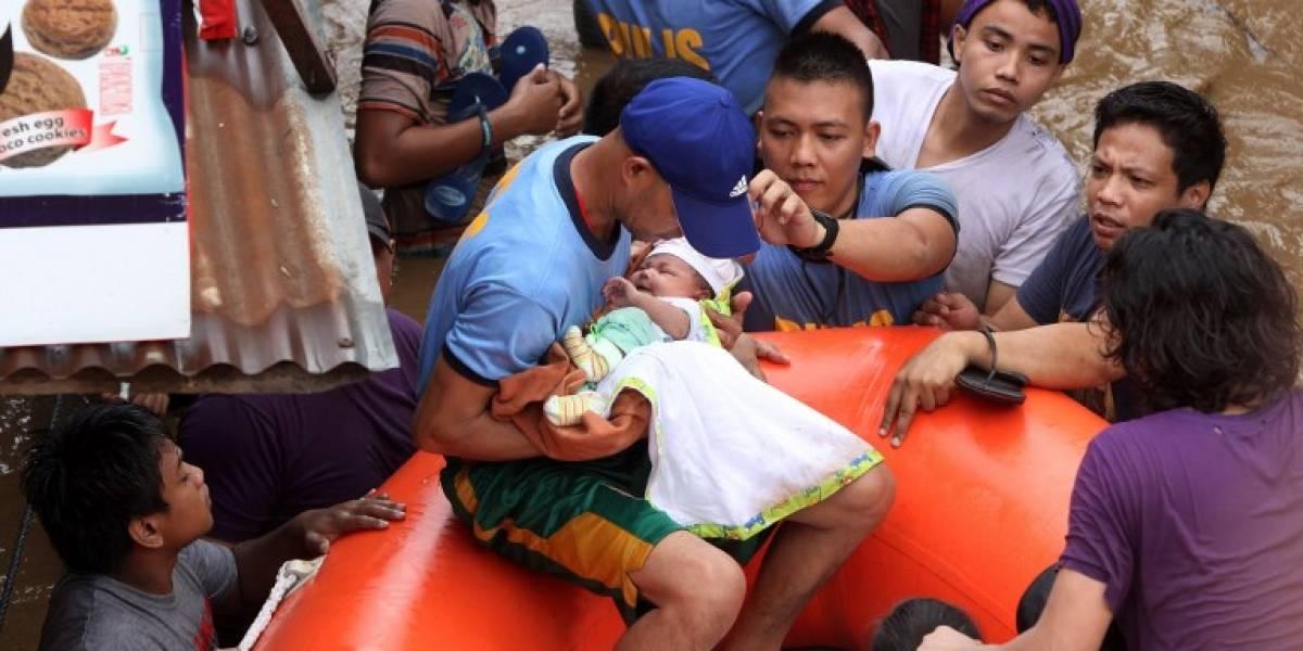 EN IMÁGENES. La tormenta Tembin arrasa el sur de Filipinas y deja más de 200 muertos