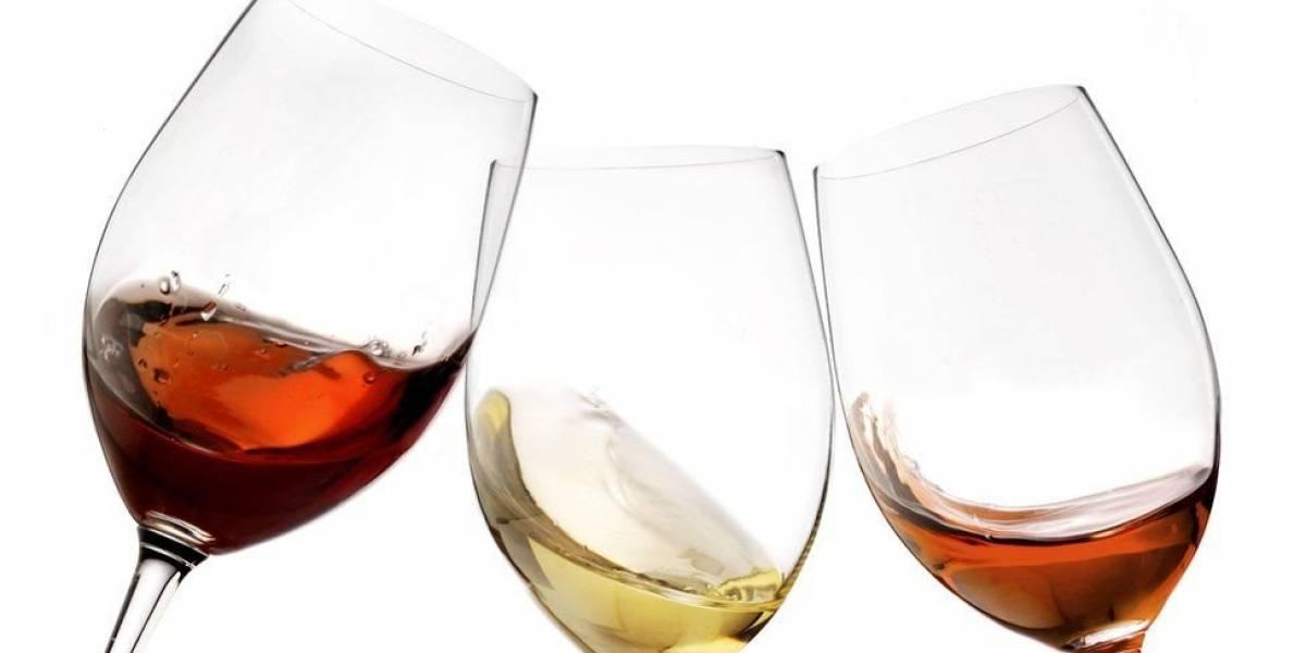 O tamanho da taça pode influenciar na quantidade de vinho que você bebe?