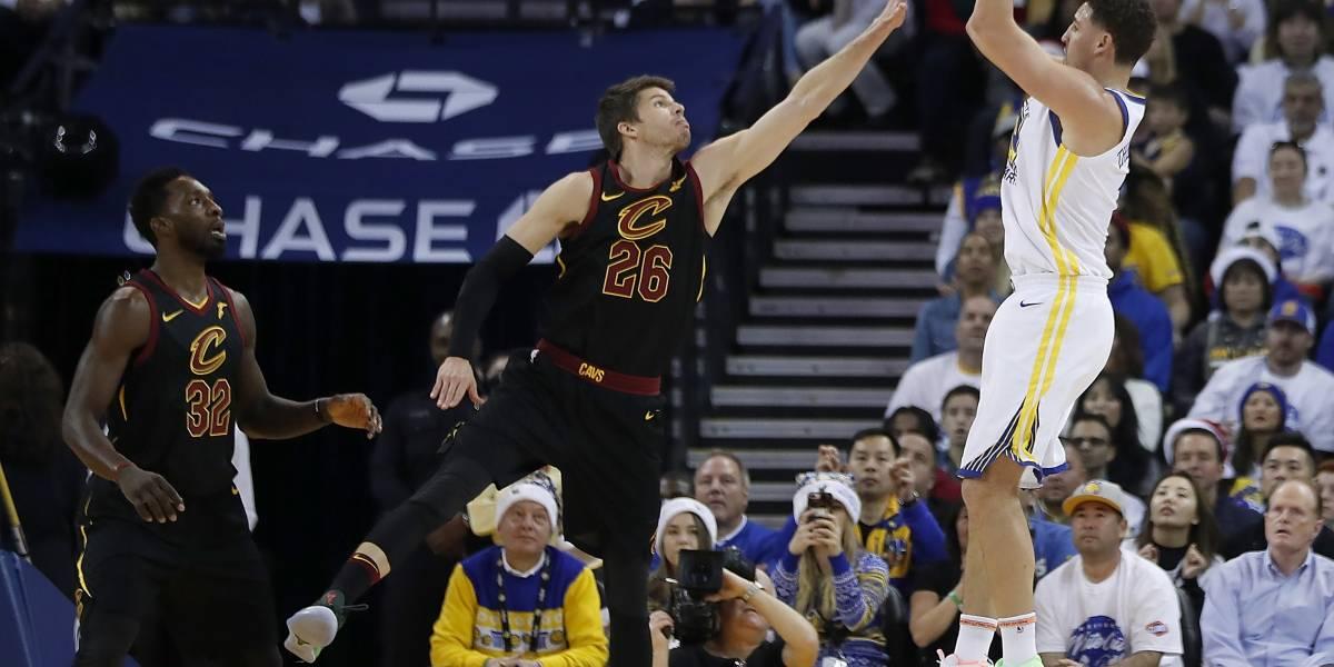 Durant brilla como en la final; Warriors se imponen a Cavs