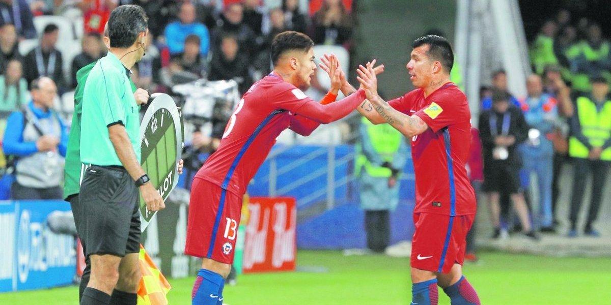 """Paulo Díaz y el futuro de la Roja: """"Me gustaría consolidarme con Medel como dupla"""""""