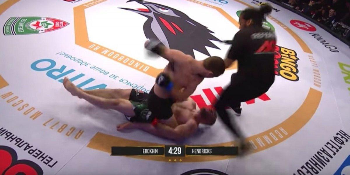 VIDEO: Médicos 'reviven' a peleador de MMA que fue brutalmente noqueado