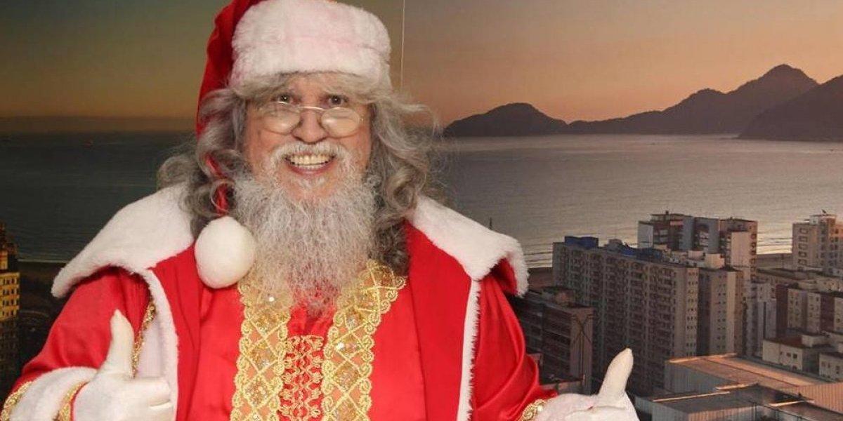 Papai Noel internado em hospital se emociona ao receber presente