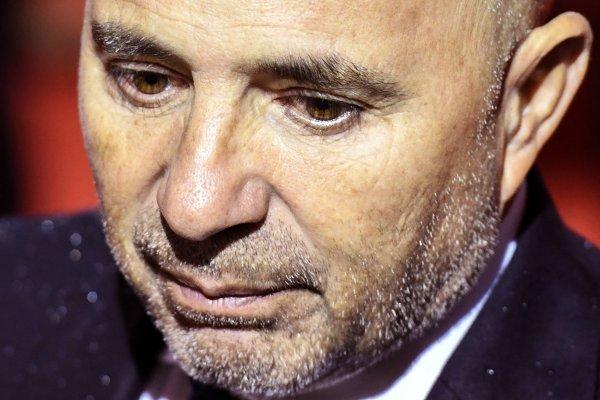 Jorge Sampaoli no lo pasa bien / imagen: AFP