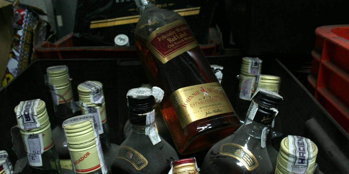 Cofepris advierte sobre consumo de alcohol adulterado